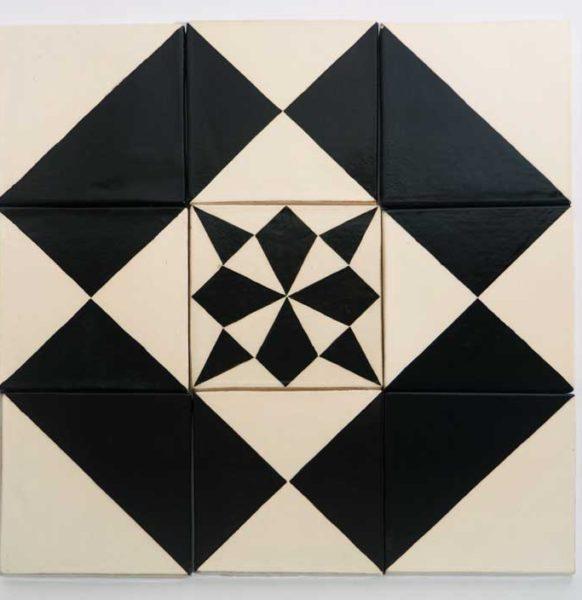 c-motifs-quatre-rectangles-noirs-etoile-carre-blanche